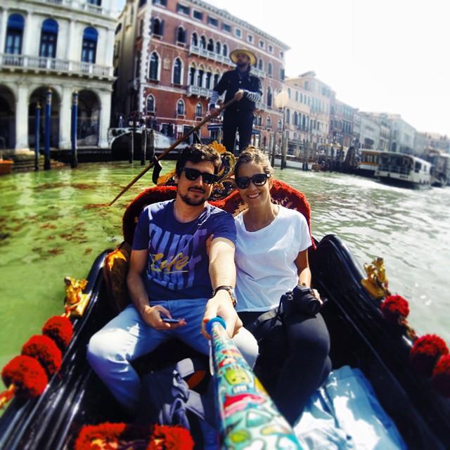 @fede.fog con su #icecreammodel en  #Venecia!!