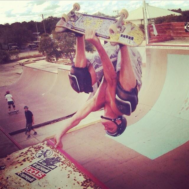 Regram @scizzorsman of Bob Umbel up the extension #skateboarding