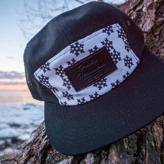 Shop now through www.frostyheadwear.com, link in our bio. #FrostyHeadwear #5panels #FivePanels #Snapbacks