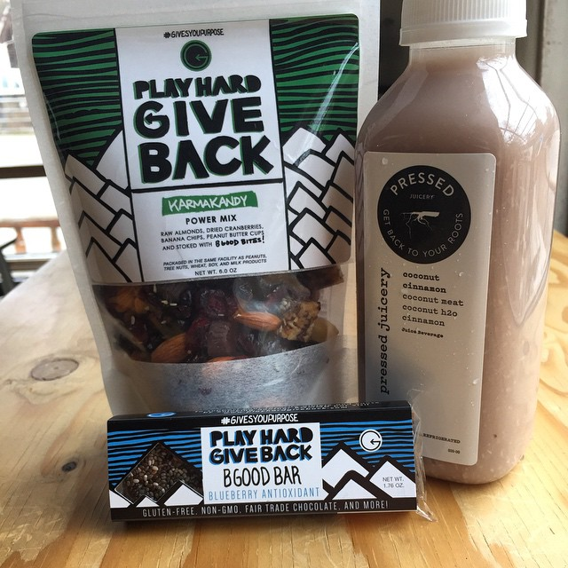 Friday morning fuel, stoked for the weekend!! @pressedjuicery and @playhardgiveback #trailmix is a tasty combo #jointhemovement #phgb