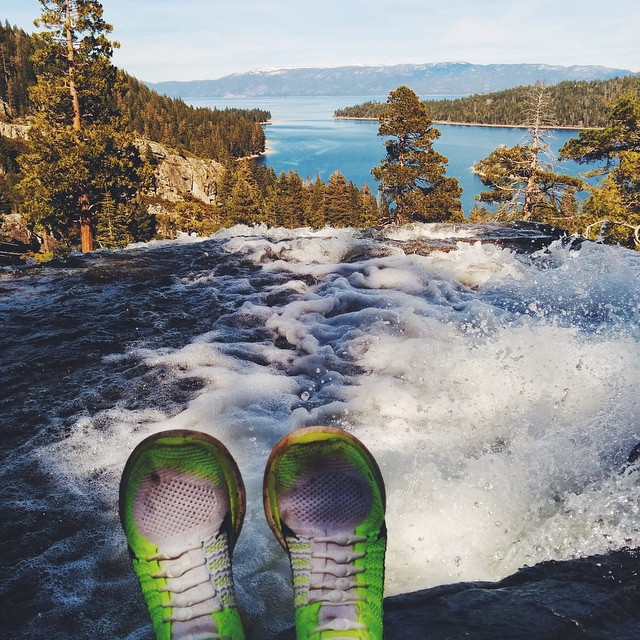 A beautiful end to a day of hiking in the sun, snow and slush captured by the amazing @georgiakathryncampbell in Emerald Bay, California. #HICKIESinthewild #lacesoutHICKIESin