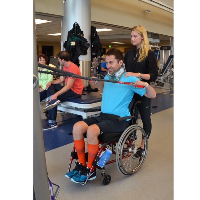 @shizazaraz's FIRST day without the TCLSO brace! #highfivesathlete #mondaymotivation #craighospital