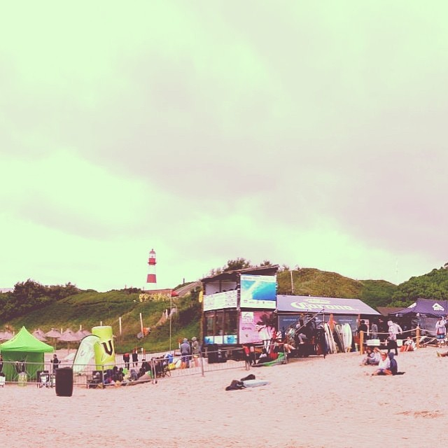 Good vibes✌Empezamos la semana contando los días para el #ReefClassic14  Del 19 al 25 de enero en Playa Mariano, Mar del Plata . Te esperamos;)