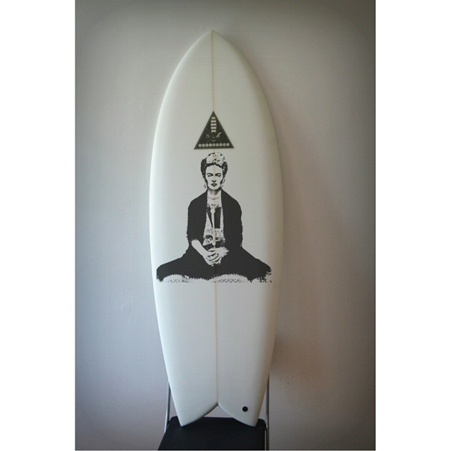 #AkelaSurf  Frida on Board