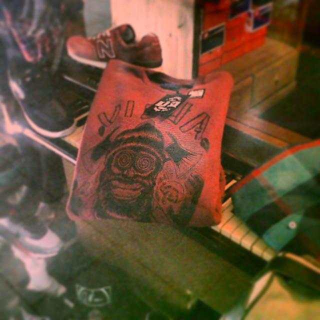 Pedido entregado #queondawey #invierno15 #losbuzoslarompen #skateshop #sweatshirt #hoodie #handmade #viejascul