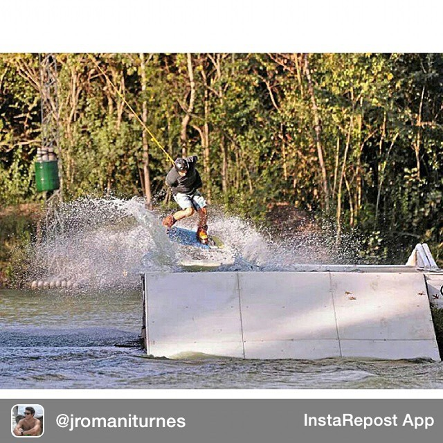 Repost from @jromaniturnes via @igrepost_app, it's free! Use the @igrepost_app to save, repost Instagram pics and videos, Bs3 out at #greenparrotwakebeach Photo