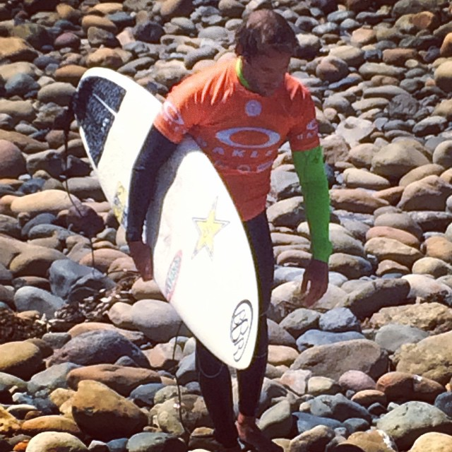 Granger takes a long walk on the rocks at Lowers as he comes in from the Expression Session at the Oakley Lowers Pro contest. He killed it!  #bbr #buccaneerboardriders #teamrider #grangerlarsen #expressionsession #oakleylowerspro #trestles #lowers...