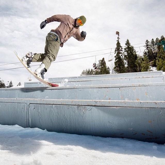 @leonard_mazzotti shows off his #FluxBindings like a boss on the @bear_mountain stair set.