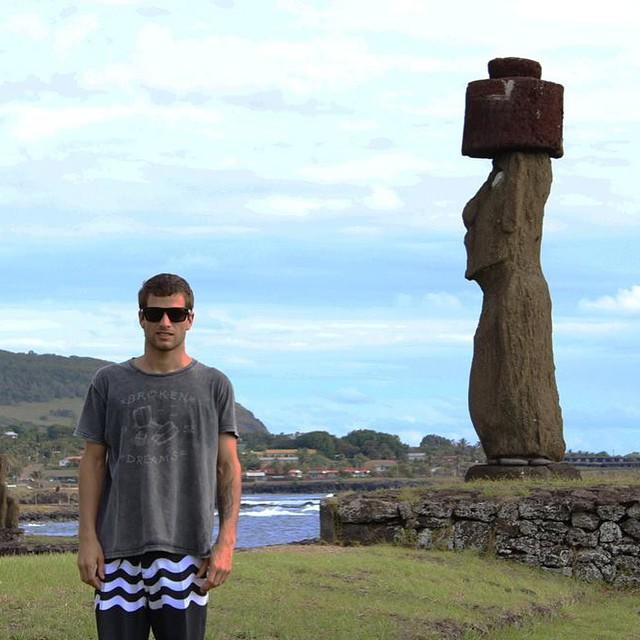 On trip!  @juanarca1 hizo una pequeña escala en Rapa Nui antes de seguir viaje a Tahití.  #soul #trip #travel #reefteam #reefargentina