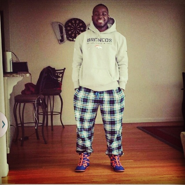 Montee Ball chillin in his Mile High Pakems! #denverbroncos #wisconsin #28 #comfortable #bekind @monteeball