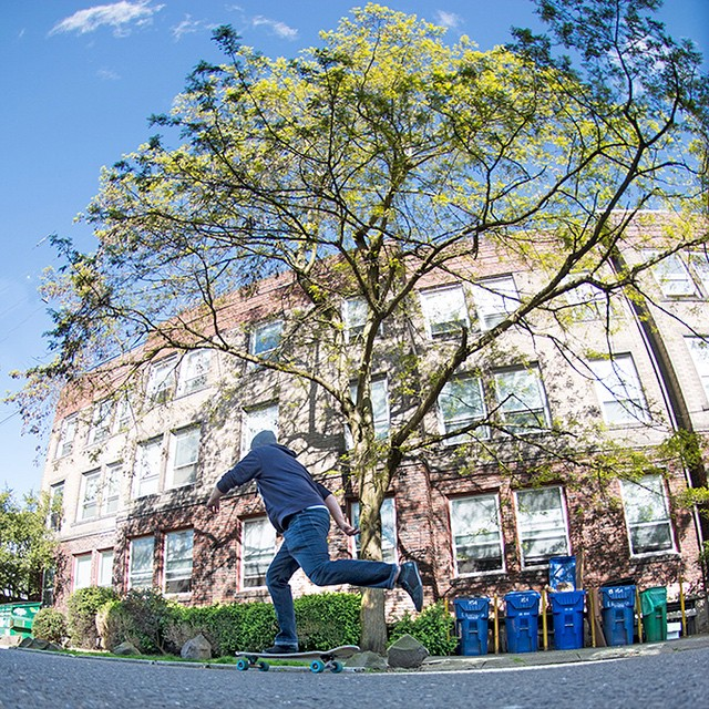 @equalmotion Ina push through CapitolHill in Seattle on our Diamondback longboard. DB longboards #longboard #longboarding #longboarder #dblongboards #goskate #shred #rad #stoked #skateboard #skateeveryday #seattle #skateseattle #capitolhill