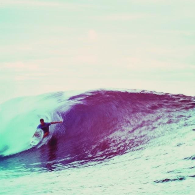 """""""Una más y salgo..."""" #waves #soul #surfing #reefargentina"""