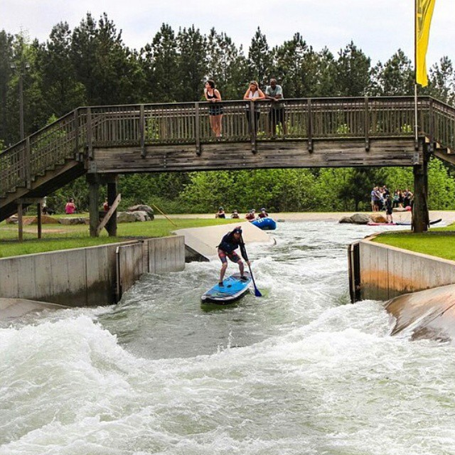 @dannybraught charging M wave @usnwc ! #whitewaterdesigned #WhitewaterSUP #halagear #HalaAtcha #adventuredesigned #tuckfest #sup #BoardersMag #standuppaddle #theweeklyinsta #stand_up_paddle #paddleboarding #charging #weliveadventure