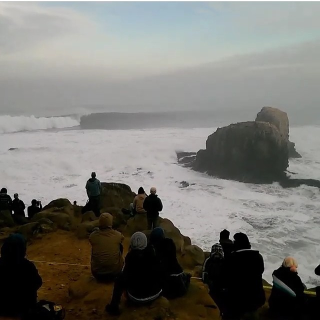 Live update at Punta de Lobos from the @stwcoalition team....swell is pumping! Find out how you can support @surfnavarro and @stwcoalition in their #LobosPorSiempre campaign to keep this place protected. #SaveTheWaves