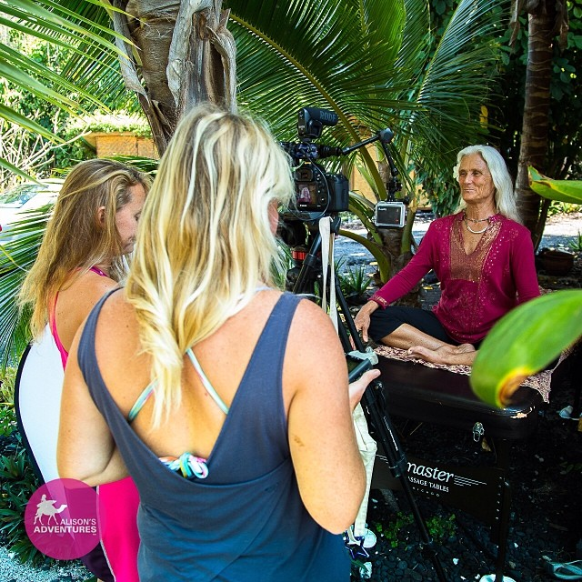 Interview #1 with @hisarahlee and mommy the magnificent for our Hawaii film about surf, survival and sustainability #realSwissFamilyRobinson ;-) #gogreen #familyrules @keen @patagonia @odina @gopro photo by @marktipple @goalzero