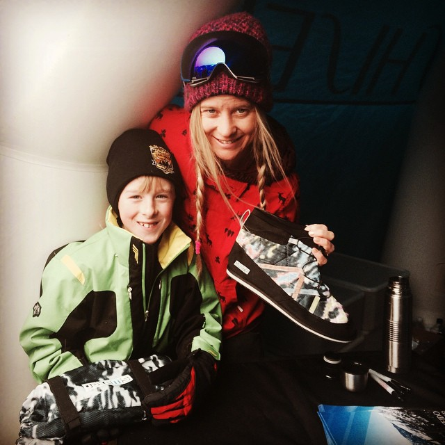 Olympic And X Games Gold Medalist Hannah Teter with Bodie loving her Pakems!! #snowboard #turingold #sportsillustrated #xgames #hannahsgold #bekind