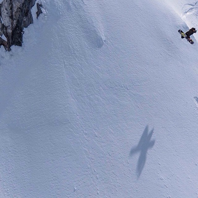 @ChrisRasman recently found some April pow to chase the shadows in. Be sure to check out #OriginsMovie when it comes out to watch his eloquent to extreme riding! @twsnow photo: @rustyockenden #FluxBindings
