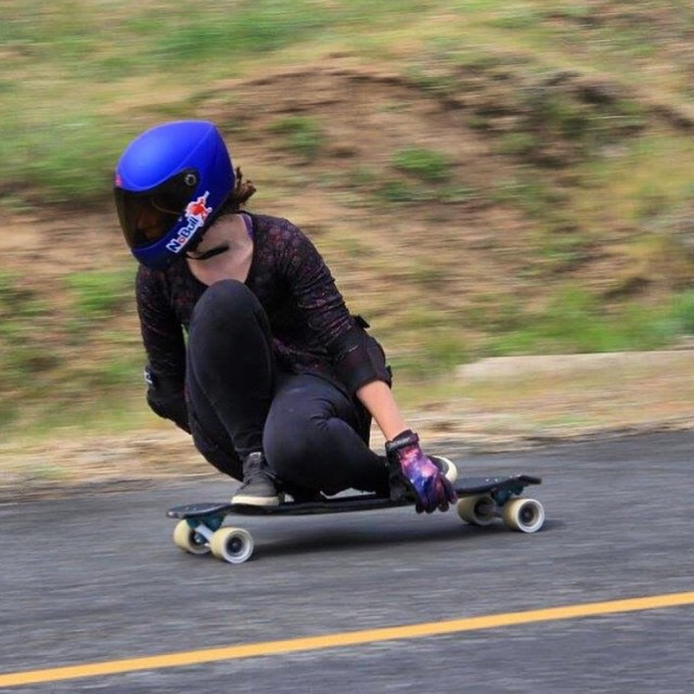 @zenskateramanda on a run at the Maryhill Spring Freeride.