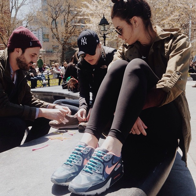 #NewYorkers! For two more hours we'll be in #WashingtonSquarePark lacing up anyone who is interested for FREE! Swing on by! #itsjustthebeginning #newyorktakeover #lacesoutHICKIESin