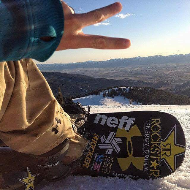 #peaceout it's the weekend!  #revbalance #findyourbalance #readytoride #boardsports #balanceskills #progression #ride #snowboarding