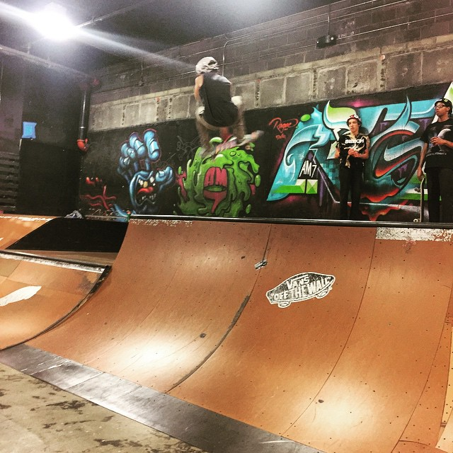 Local dude @dylan_._cline flyin high on a Compass shape at @sixavenashville #Nashville #skate