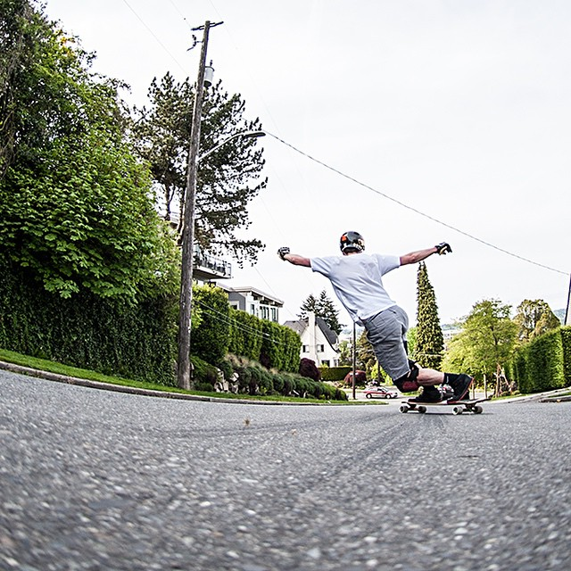 Repost from @skateslate featuring @speedscientist and the Keystone 39. #keystone #dblongboards #seattle #longboarding #toeside #longboarder #skateseattle #dbkeystone