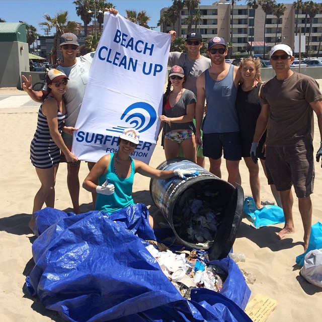 Thousands of micro plastics, hundreds of cigarette butts, numerous plastic film wrappers and one needle collected off of Venice Beach this morning. Thanks to @surfrider @surfriderwlam for organizing and leading the cleanup! #CleanYoBeach #PlasticFree