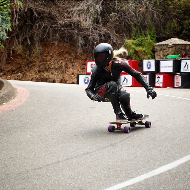 Catalina Island Classic is on! @amandapowellskate going fast fast fast. Repost from @daddiesboardshop.  #longboardgirlscrew #womensupportingwomen #skatelikeagirl #girlswhoshred #amandapowell #catalinaislandclassic