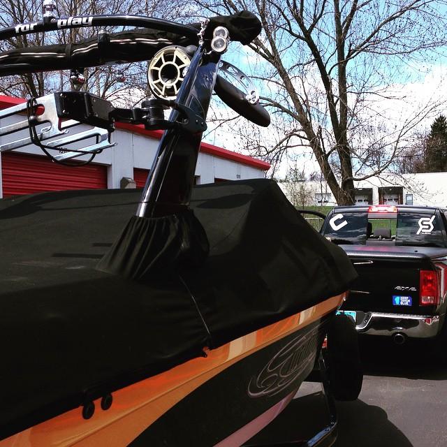 Out of storage, waxed and ready! @malibuboats #wakeboard #wakesurf #JustSendIt @wetsounds #ramtrucks #sendit #dodge #wakeboarding #lakelife @blackboatblacktruck @ryehoff @ericjunge
