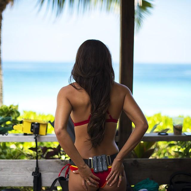 Land mermaid getting ready to return to her underwater home... @chelseakauai in our Casita Boythong & Pin-Up Top #getouthere #mermaidmonday #divergirl #landmermaid #hawaiilife
