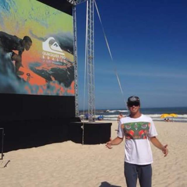 @leleusuna ya está en Brasil entrenando para el Quiksilver Pro el 5 de mayo. Grande Lele!  #soul #surfing #surf #teamreef #justpassingthrough #LifeIsShortGoSurfing