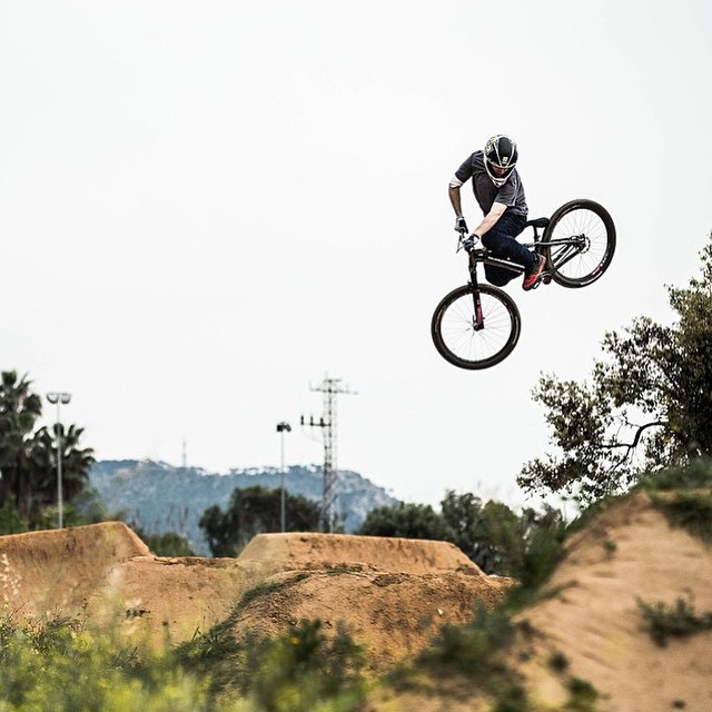 Repost @nicholirogatkin | Wake n Ride session at @lapomabikepark. |