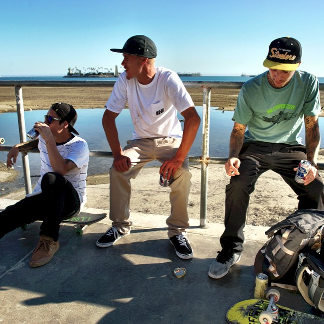 Kickin back on an afternoon in #LongBeach with @iniskate crew. #skate