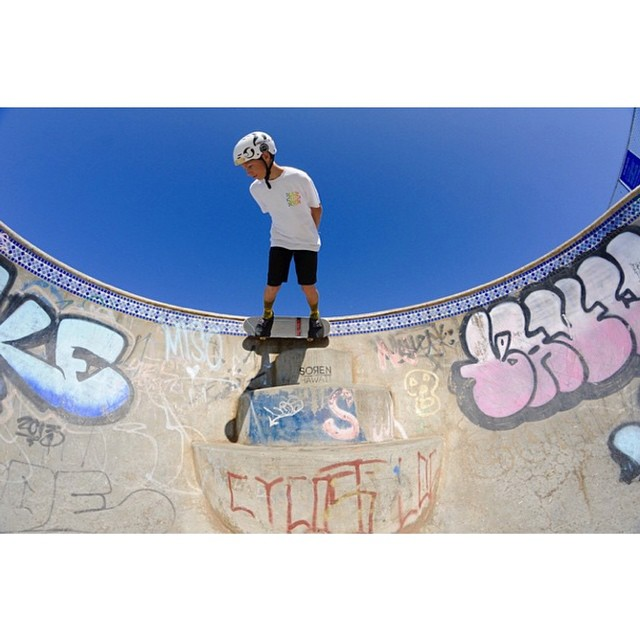Happy days. @benazelart carving Banzai in Hawaii #contemplation #skatelife #fr7 #predatorhelmets