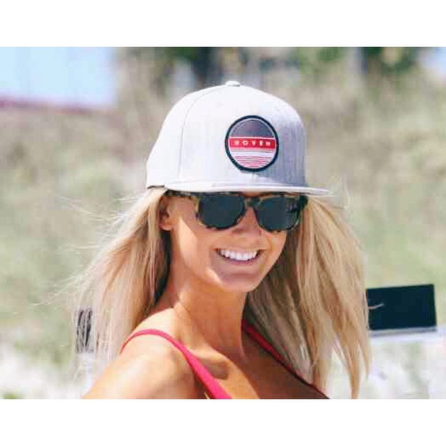 || Smile it's Hoven Hump Day || #hovenvision #hovenhunny #snapback #smile #wcw #beachbabe #bigrisky #wayfarer #behappy