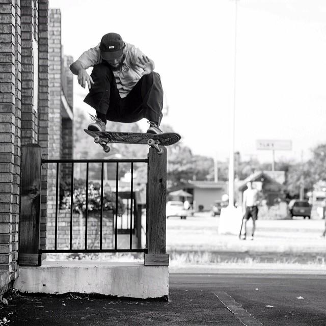 @dyshonphoto caught this #fs180 of #eddygreen for #issue34 #steezmagazine #northcarolina #skateboarding