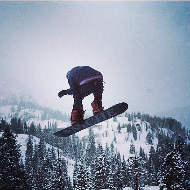 Three things Nick Kolkman (@nick.kolkman) is good at...making you laugh, drinking beers, and snowboarding...here he demonstrates the third with a misty stalefish at @brightonresort...photo by @jashar17