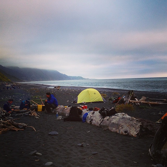 Weekend Inspiration // Throwing it back to this awesome campsite on The Lost Coast - 24 miles of the most naturally beautiful and development free coast line in Northern California #GetOutside #Explore #AdventureOften #ThrowbackThursday #tbt...