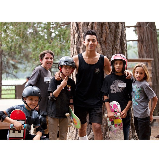 Come skate with the pros this summer at @elementskatecamp! @nyjah hanging out with some of our #SkateCampPirates >>> sign up today at SkateCamp.Org #Elementskatecamp #Skateacampvibes