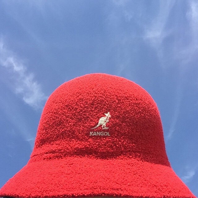 Clear skies ☀️☁️ #kangol (via @enoken_)