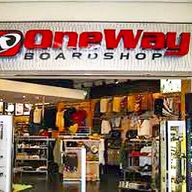 Big thanks to our friends at One Way Boardshop in The Santa Maria Town Center Mall in Santa Maria, CA, where you can find the new wave in surf wax candles from  ulu LAGOON! #oneway #onewayboardshop #uluLAGOON #surfwaxcandles #surf #surfshop...