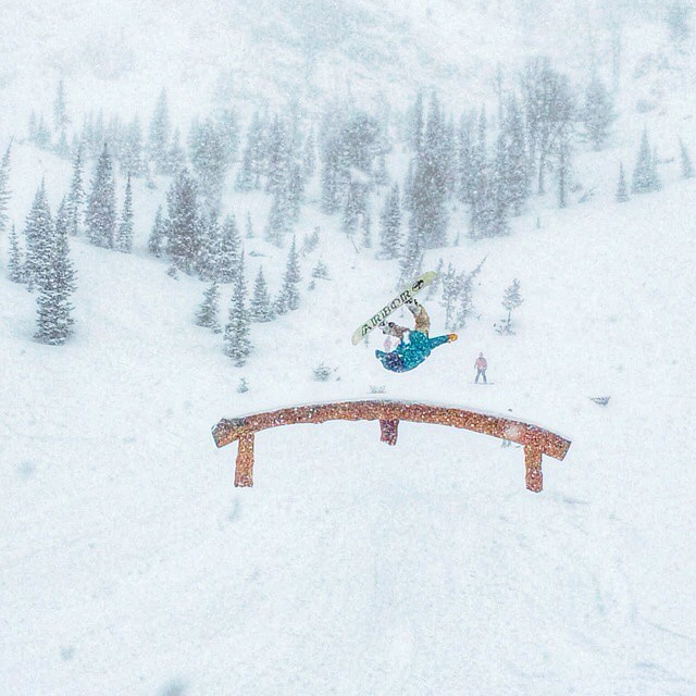 Anyone else missing days like this already?  Rider: @jah_he  Photo: @camfitzpatrick  #FluxBindings #snowboarding #pow