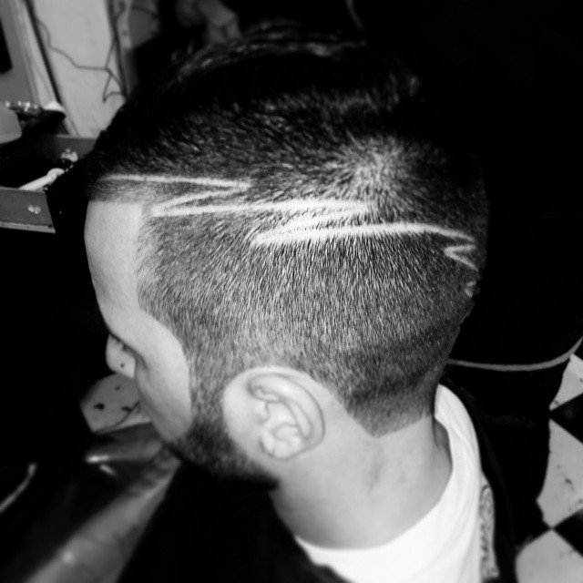 #ManaBarberShop #dominicanaStyle #Dominicana #Haircut #HairStyle #hoySeSaleFuerte #HoySeBebe #picOfTheDay #ProgressiveHouse #Excess #Tonight