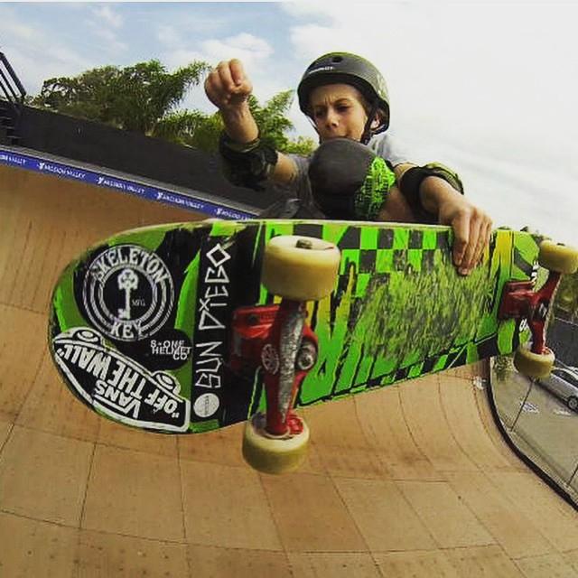 @tatecarew at the @clairemontskatepark . Tate wears the S1 Lifer Helmet. #vansskate #skeletonkeymfg #sundiego #s1helmets #skateboarding #clairemontskatepark #skatevert #frontside #grom