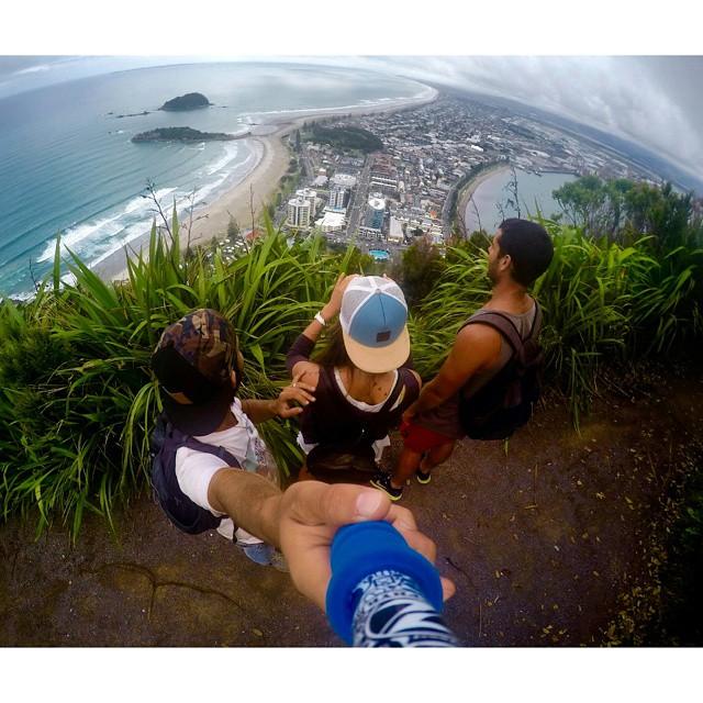 @brusodi con su #ZephyrPole en #MountMaunganui #NewZealand