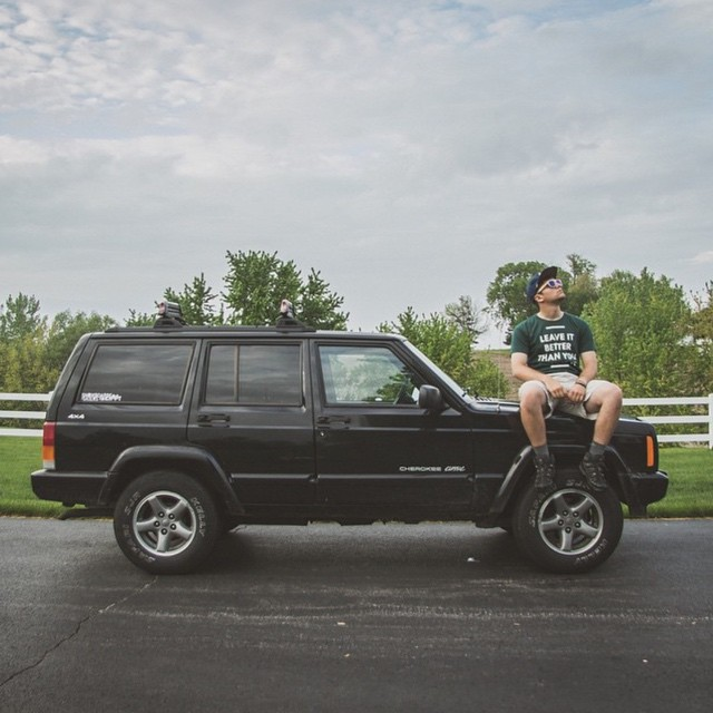 Where did your weekend adventures take you? Here's @grantwhitty looking ready to take on anything with his #adventuremobile Jenny the Jeep in our Leave It Better tee! #parksprokect #leavitbetterthanyoufoundit