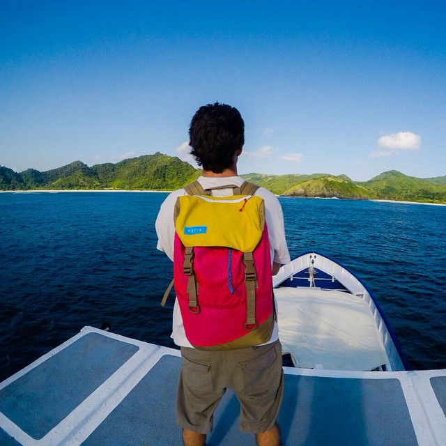North America - Europe - Asia // This is the ultimate boat trip around the best surfing spots. This is the #discoverpack world tour ! #Lombok