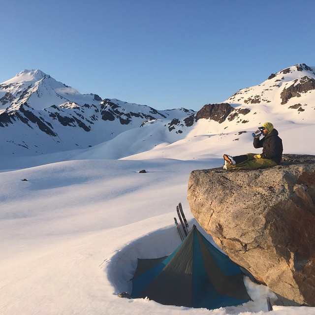 @davidpowdersteele and @racheldelacour recently ascended Glacier Peak for some spring skiing action. Check out David's way with words at experience.forsake.com. #getoutthere #adventureworthy