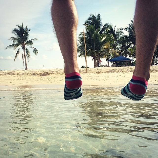 Hoy nos mandan esta postal desde la isla de Corón en Filipinas #Placer #MediasConOnda #YoUsoSuarez #style #socks