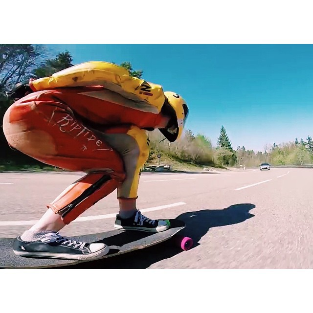 Go to longboardgirlscrew.com and check @lgcfrance rider @lydebegue's newest edit. We love this lady shredder!  #longboardgirlscrew #womensupportingwomen #skatelikeagirl #girlswhoshred #lydebegue #france
